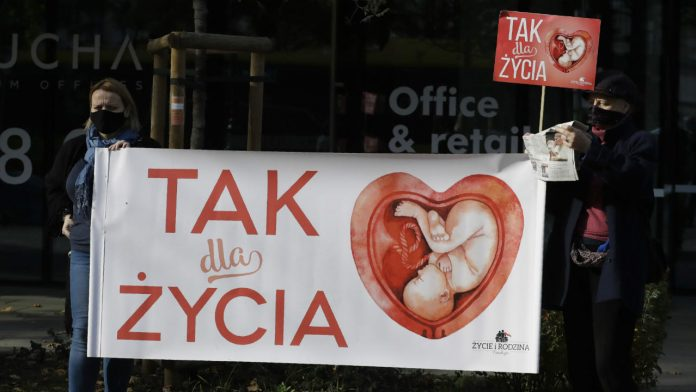 Poland-abortion-ruling