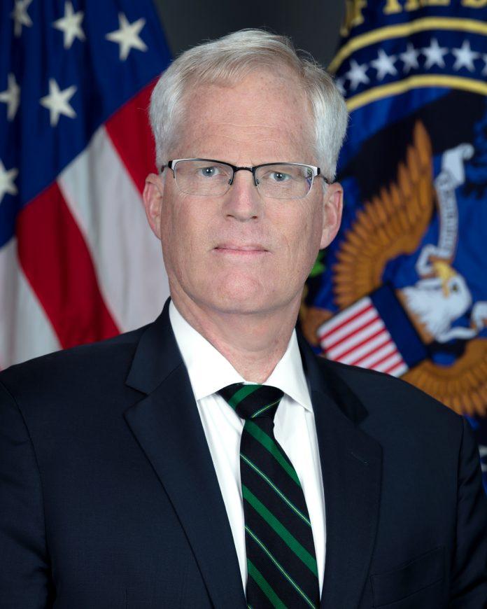 Acting US Secretary of Defense pays surprise visit to Mogadishu