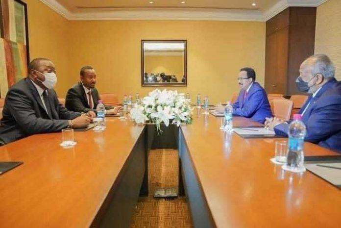 President Farmajo and Uhuru Kenyatta meet in Djibouti
