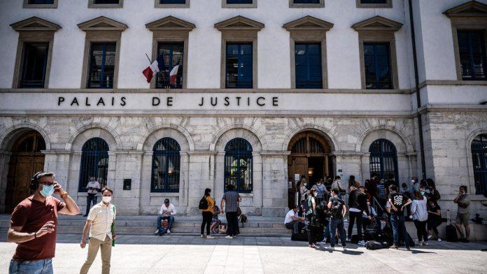 Man who beat Macron sentenced to 18 months, 14 probation