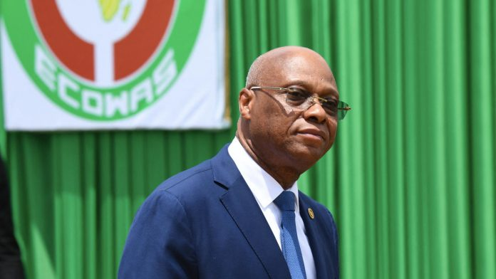West African regional bloc adopts new plan to launch single currency Eco in 2027