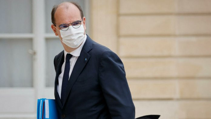 Unvaccinated people account for 96% of new Covid-19 cases, French prime minister says